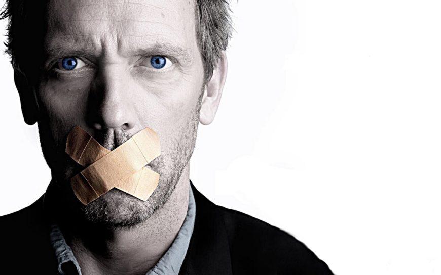 Falar mal da empresa na internet não pode - há quebra de confiança