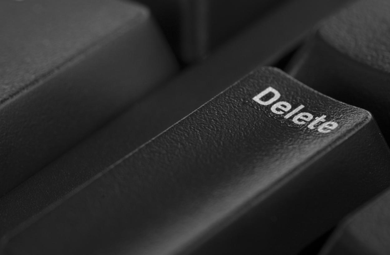 Advogado Especialista em Remover Conteúdo Ofensivo da Internet - Melo Moreira Advogados - Direito Digital